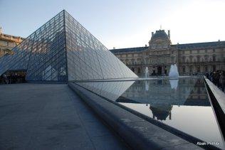 Louvre Museum, Paris (1)