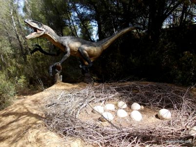 Meze dinosaur park, South France (18)