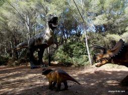Meze dinosaur park, South France (3)