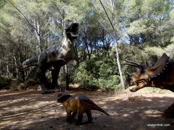Meze dinosaur park, South France (3)