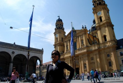 Theatine Church and Feldherrnhalle, Odeonsplatz, Munich, Germany
