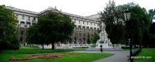 Burggarten, Vienna, Mozart Statue (2)