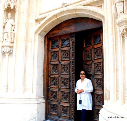 Zagreb cathedral door (2)