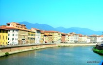 The Arno in Pisa, Italy (1)