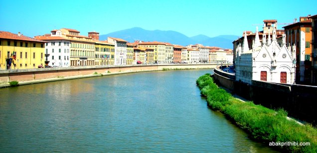 The Arno in Pisa, Italy (3)