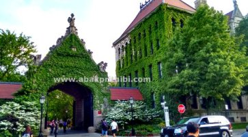 Cobb Gate, The University of Chicago (2)