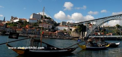 Rabelos, a type of boat traditionally used to transport barrels of port down the River Douro (2)