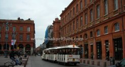 The little train, Toulouse, France (1)
