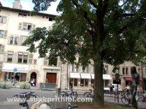 place-du-bourg-de-four-geneva-switzerland-5