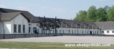 the-holocaust-tourism-2