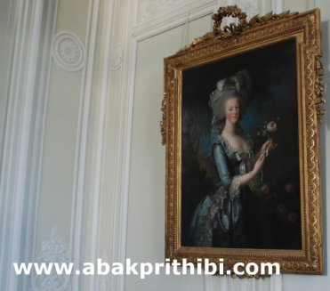 marie-antoinette-with-the-rose-1
