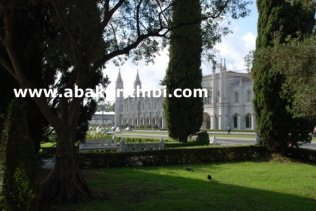 empire-square-lisbon-portugal-6
