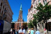 st-gertrude-old-church-riga-latvia-3