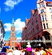 st-gertrude-old-church-riga-latvia-9