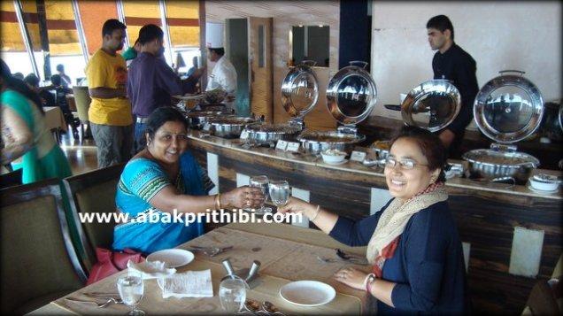 revolving-tower-restaurant-ahmedabad-india-3