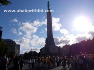 the-freedom-monument-riga-latvia-2