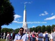 the-freedom-monument-riga-latvia-9