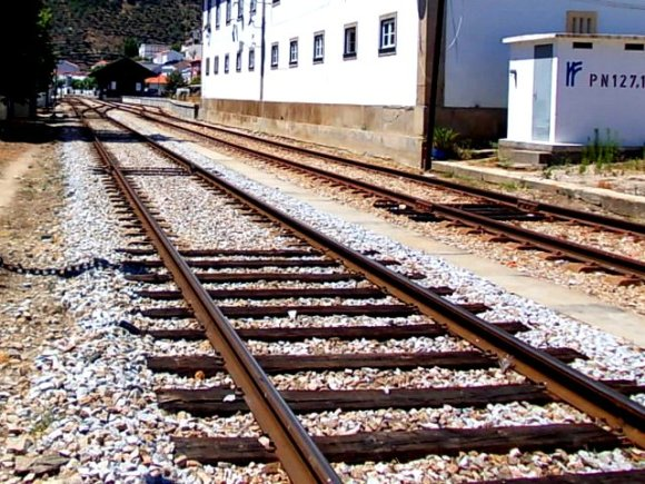 Meter gauge train line.JPG