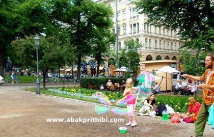 Rainbow in Bubbles, Helsinki (7)
