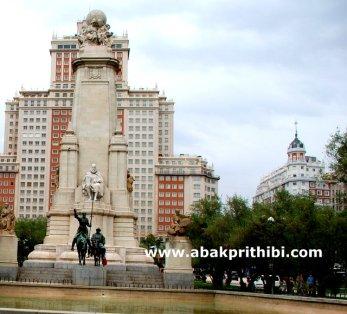 Stone sculpture of Miguel de Cervantes, Plaza de España, Madrid, Spain (7)