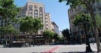 Street lights of Barcelona, Spain (4)