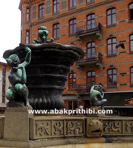 The Five Continents Fountain, Gothenburg, Sweden (1)
